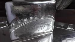 Újságírók aláírásaival vésett ezüst cigarettatárca (150g)