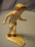 U10-11 Art deco  porcelán fiú ,Aquincum labda nélkűl