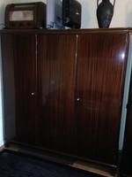3 ajtós ruhásszekrény