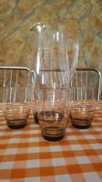 Nagy üvegkancsó poharakkal