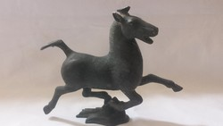 Dekoratív bronz ló