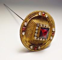 Korabeli bieder, strasszkővel díszített cizellált antik kalptű