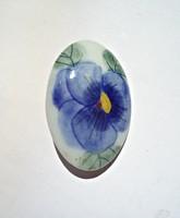 Porcelán virág mintás bross