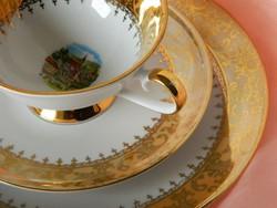 Ragyogó fényességű, dús aranyozású porcelán reggeliző szett