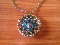 Zwarovski és cseh kristály gyöngyökből készített gyöngyfűzött egyedi nyakék (kétoldalas)