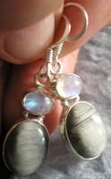 925 ezüst fülbevaló holdkő és krizoberill macskaszem
