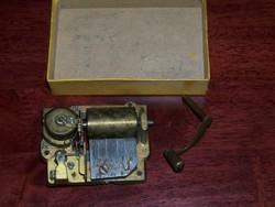Zenélő szerkezet- óra, doboz
