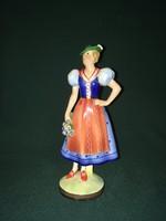 Német népviseletes lány porcelán figura
