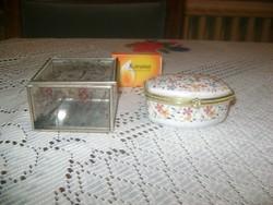Ékszertartó két darab - üveg-fém és porcelán