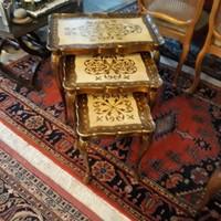 Velenzei barok 3 egymásba tolható szerviz asztal
