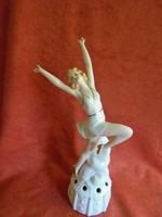 Porcelán táncosnő figura