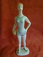 Hollóházi porcelán tornász lány figura
