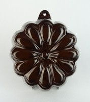 0R628 Régi barna virág formájú kuglófsütő falidísz