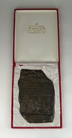 0R359 L Calidius sírkövének másolata bronz tábla