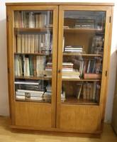 Antik vitrines könyves szekrény