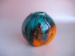 Színes gömb alakú kerámia váza (jelzett)