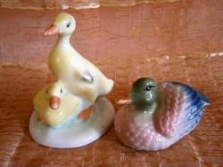 Aquincumi sárga kacsapár, kacsák és egy szép festésű porcelán kacsa
