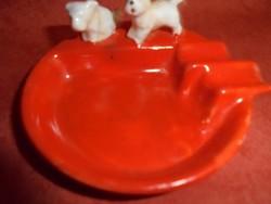 Német porcelán hamutartó kiskutya figurákkal