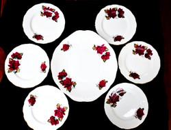 Gyönyörű rózsás angol süteményes készlet
