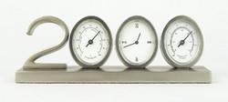 0R570 Millenniumra készült óra hőmérő 2000