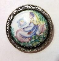 Ezüst bross kézi festésű porcelán betéttel