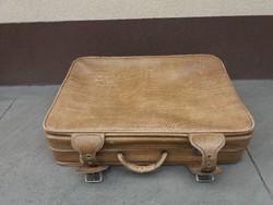 Retro utazó bőrönd,dekorációnak is