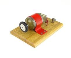 0R900 Gordon iskolai elektromos bemutató eszköz