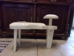 Antik fa pedikűrös szék - állvány. csikó