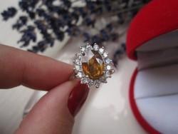 Ritka, gyémánt csillogású sphene kővel különleges ezüst gyűrű - 1,65 cm