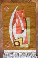 Levarrt hurkolt suba kézimunka falikép egy absztrakt festmény alapján 33x55 cm