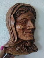 Faragott fa női fali dísz