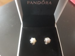 Pandora ezüst gyűrű és fülbevaló.