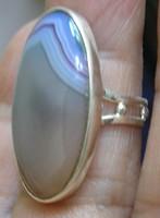 925 ezüst gyűrű, 17,9/56,2 mm, csíkos acháttal