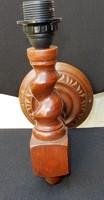 Csavart szárú, faragott falilámpa (koloniál)