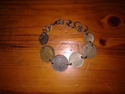 Karkötő régi fém pénzekkel, női ékszer, pénzes érmés karlánc
