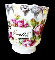 Gyönyörű rózsás nagyon ritka elmék csésze