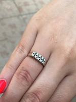 Eladó nagyon szép brill köves gyűrű !
