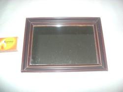Fakeretes kis falitükör, borotválkozó tükör