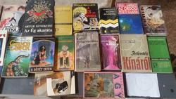 Könyvcsomag eladó! 39 db könyv elsősorban krimi  eladó!