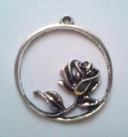 Tibeti ezüst rózsás medál