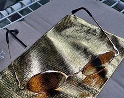 UV 400-as Retro John Lennon napszemüveg okuláré (aranyozott kerettel).
