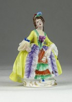 0Q219 Régi SITZENDORF jelzett porcelán figura 8 cm