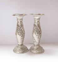 Régi indiai ezüst gyertyatartó pár.
