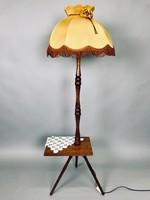 Retro, esztergált fa állólámpa, eredeti ernyővel