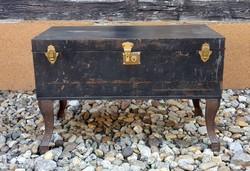 Loft desing dohányzó asztal