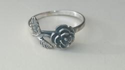 Ezüst gyűrű rózsa díszítéssel 925