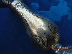 Niellós,aranyozott ezüstberakásos virágmintás,súlyos kis Keleti váza-13 cm