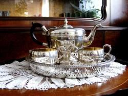 Szépséges vastagon ezüstözött teás vagy kávés készlet, 6 db kanállal, gyönyörű áttört oldalú tálcán