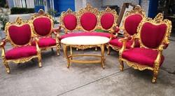 Dúsan faragott, barokk stílusú,aranyozott,királyi ülőgarnitúra!