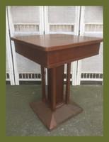 Ritka,kis méretű szecessziós étkező asztal,rézzel bevont talppal